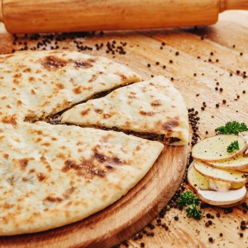 Осетинский пирог с картофелем, грибами и осетинским сыром